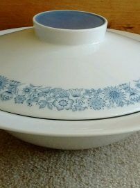 Tureens & Serving Dishes