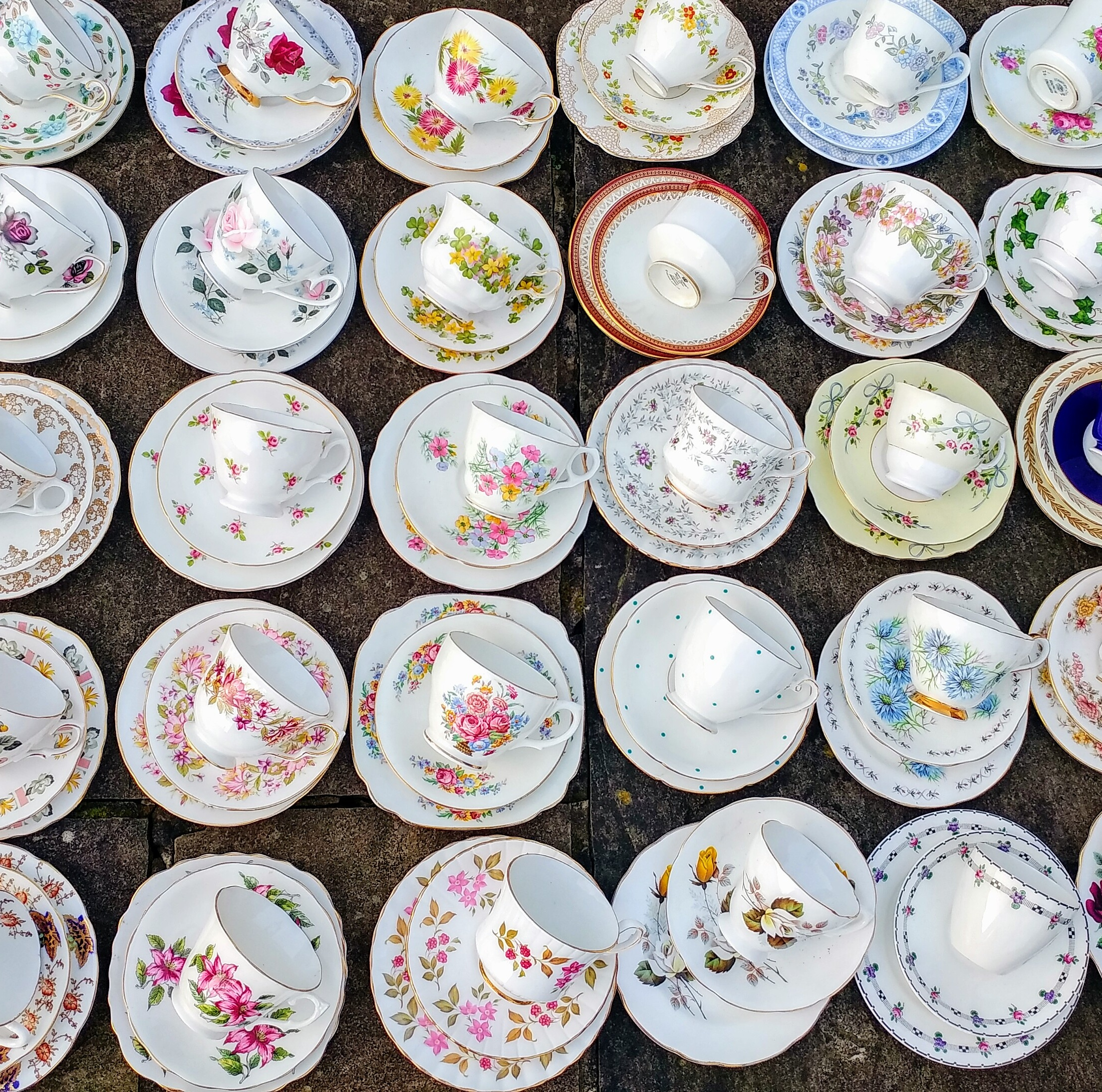 Job Lot of 150 (50 pcs) Vintage Mismatched China Mix Tea Cups Saucers and Side Plate Trios Set Floral u2013 Tableware Mad Hatters Afternoon Tea Room Party ... & xxbritishvintagemarketJob Lot 50 Vintage Mismatched China Mix Cups ...
